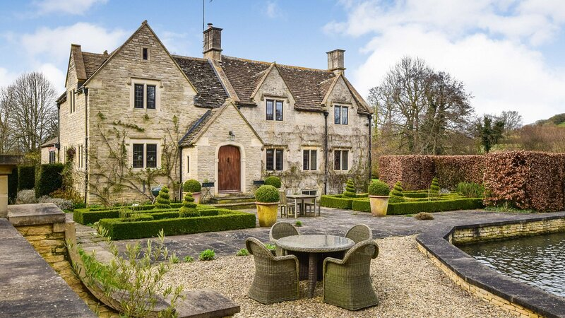 Grindstone Mill, Wotton-under-Edge, Cotswolds - Sleeps 12 in 6 bedrooms, holiday rental in North Nibley