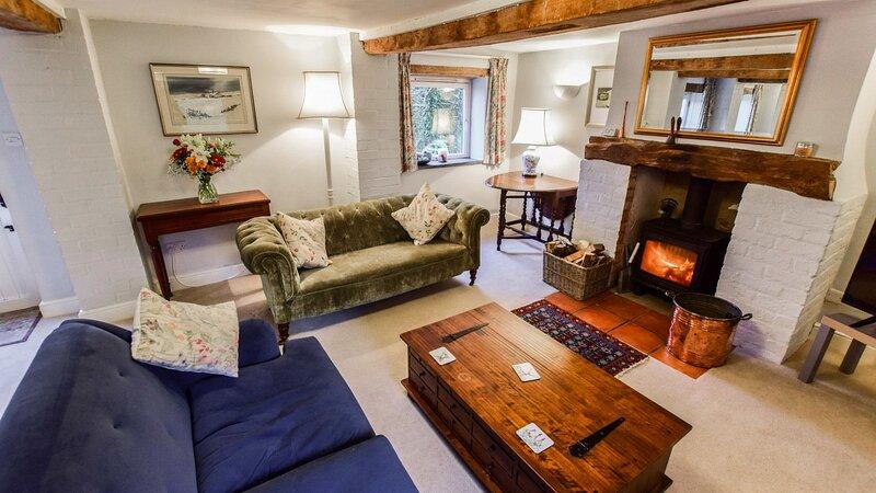 Granary, Cheltenham, Cotswolds - sleeps 4 guests  in 2 bedrooms, alquiler vacacional en Cranham