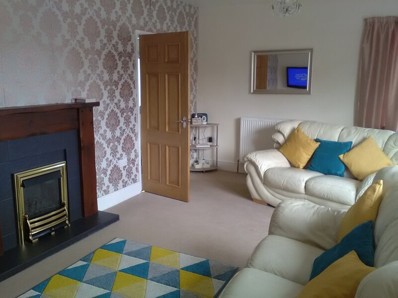 Bungalow within walking distance of the beach, alquiler vacacional en Isla de Anglesey