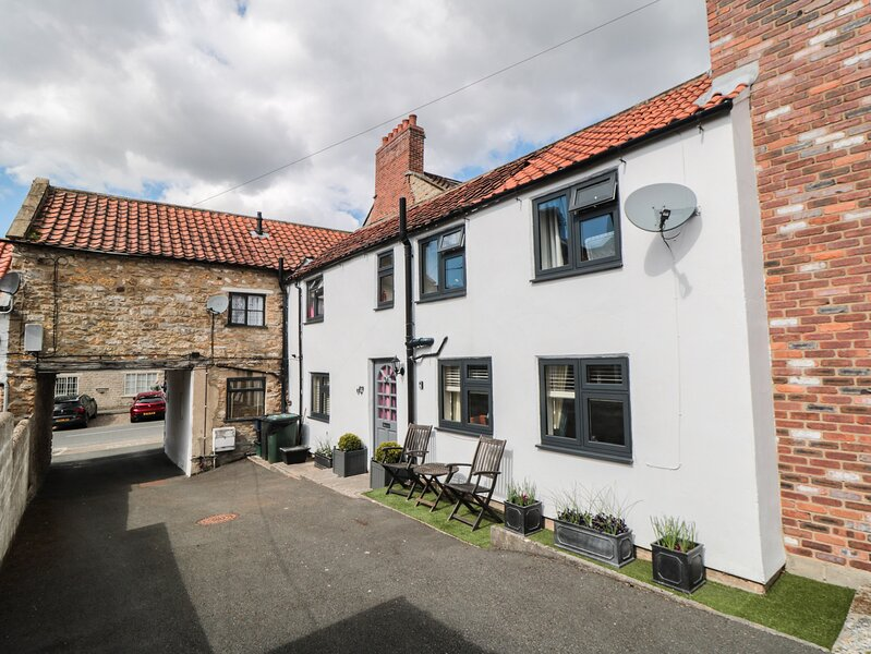 Anvil Cottage, Kirkbymoorside, holiday rental in Harome