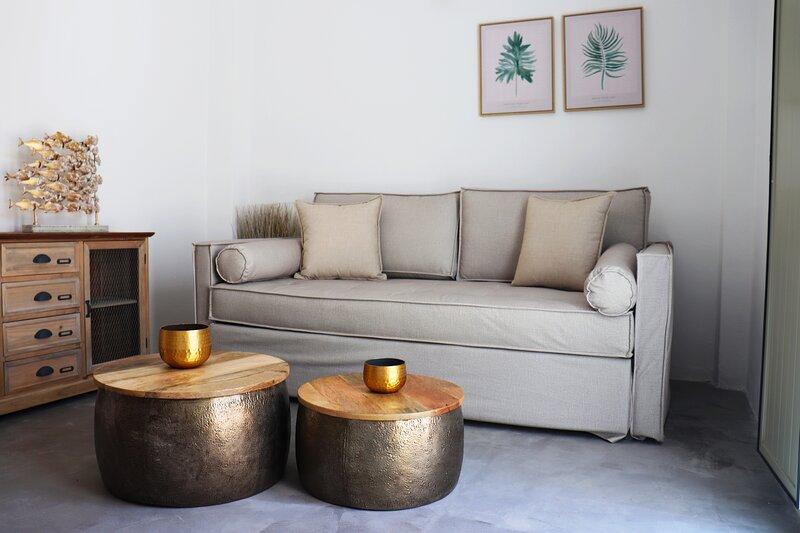Stunning 1-Bed Apartment in Karterádos, holiday rental in Karterádhos