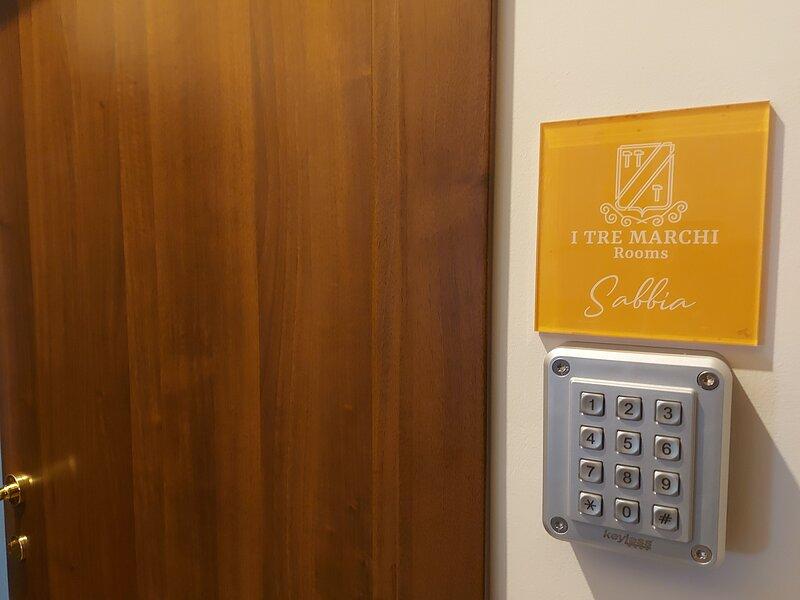 I tre Marchi Rooms / Camera Sabbia, holiday rental in Campomarino