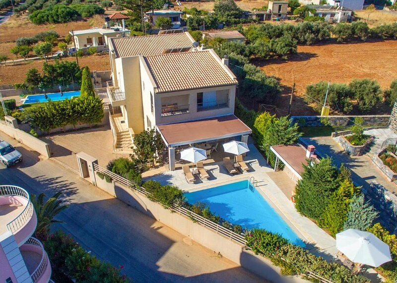 Villa Penelope - Beautiful villa in Gouves, holiday rental in Epano Gouves