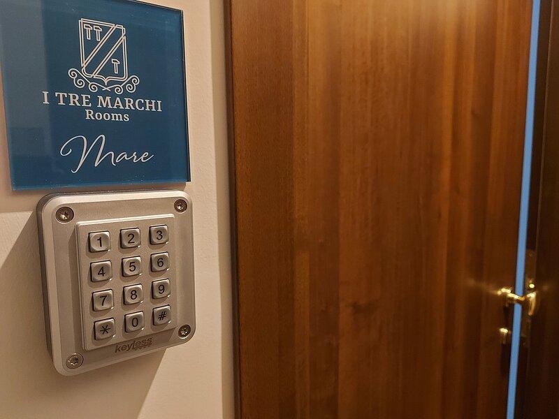 I Tre Marchi Rooms / Camera Mare  2° Piano, holiday rental in Campomarino