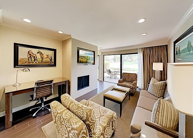 2 Units in The Cottages | Main Condo & Lock-Off Studio | Pool, Tennis & Spa, holiday rental in Yountville