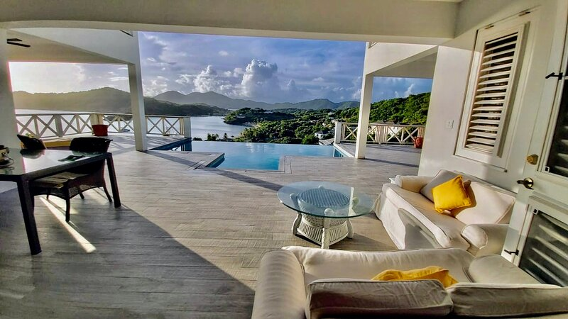 Reggae Villa Galleon Beach 2min walk, holiday rental in Antigua