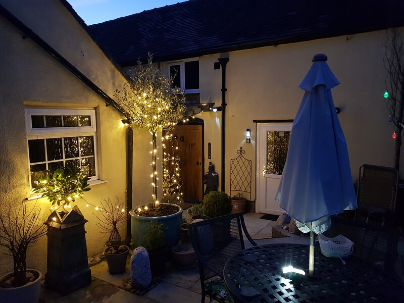 The Hanging Gate  Coach House Madeley, holiday rental in Jackfield