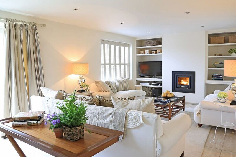 Lamp Cottage, holiday rental in South Wingfield