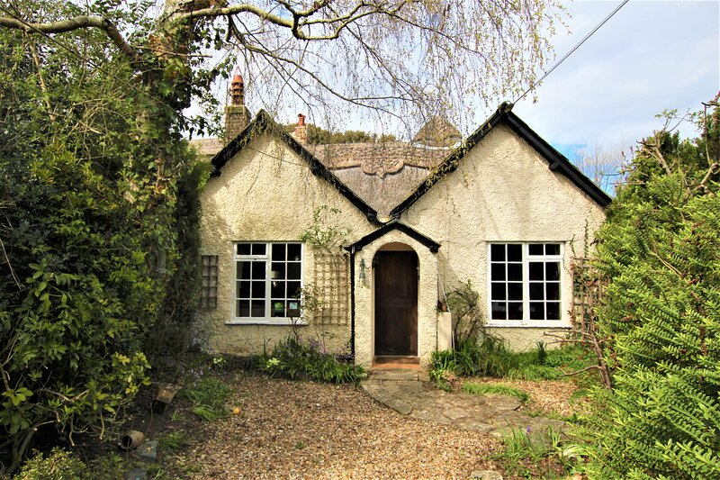 Horseshoe Lodge, Highcliffe on Sea and The New Forest, holiday rental in Highcliffe