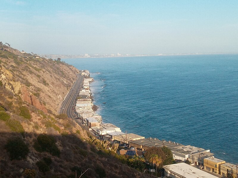 Malibu ocean front beach apt, holiday rental in Malibu