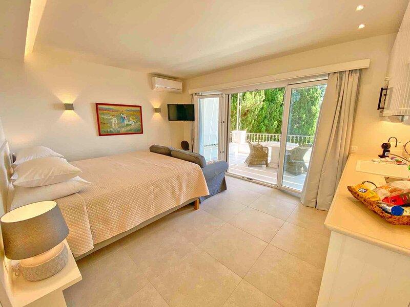 Paleopetres K-Nine - Premium Suite - Kalami - Pool - Sea Views, holiday rental in Kalami