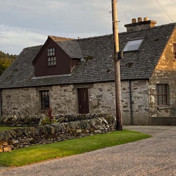 Stone Cottage in Heart of Argyll, location de vacances à Ardrishaig