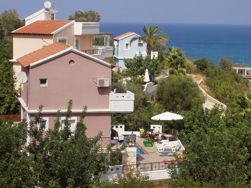 Bali Mare villa ouranos with private pool, holiday rental in Platanias