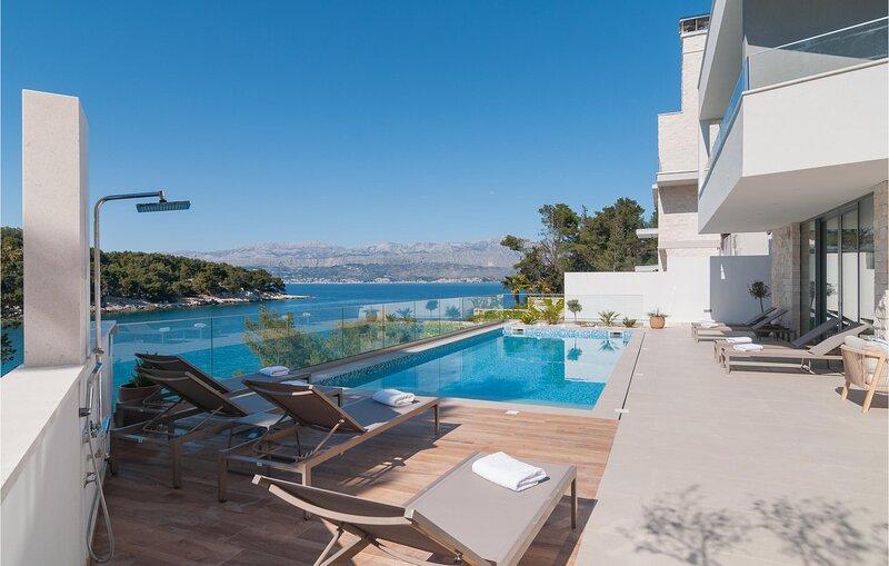 Beautiful home in Splitska with Sauna, Heated swimming pool and 6 Bedrooms (CDB6, holiday rental in Splitska