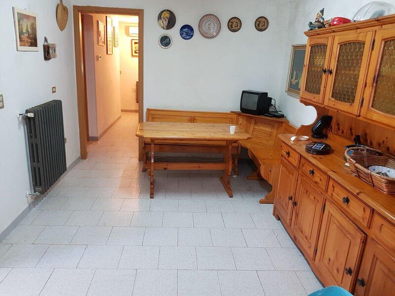 VILLA MONOPOLI, holiday rental in Cozzana