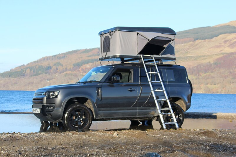 Land Rover Defender with 'RoofNest' Roof Top Tent, location de vacances à Loch Tay