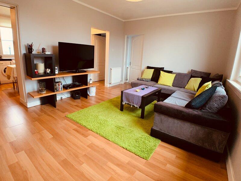 Maria- Bright and Modern City Center Apartment ., casa vacanza a Musselburgh