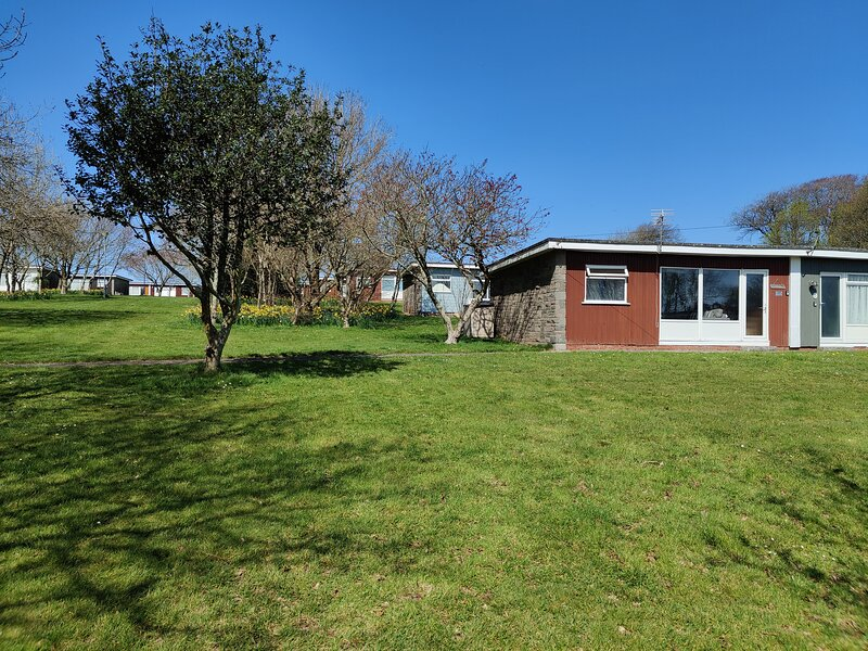 The Little Retreat - 2 Bedroom Holiday Chalet in Dartmouth, location de vacances à Strete