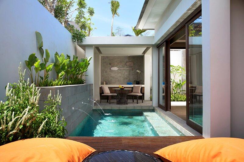 Pande Villa Sleeps 2 with Pool and Air Con - 5840921, casa vacanza a Cengiling