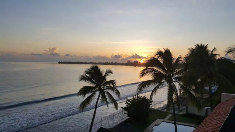 Right on the Ocean. 2 BR, sleeps 4-8, holiday rental in El Yunque National Forest