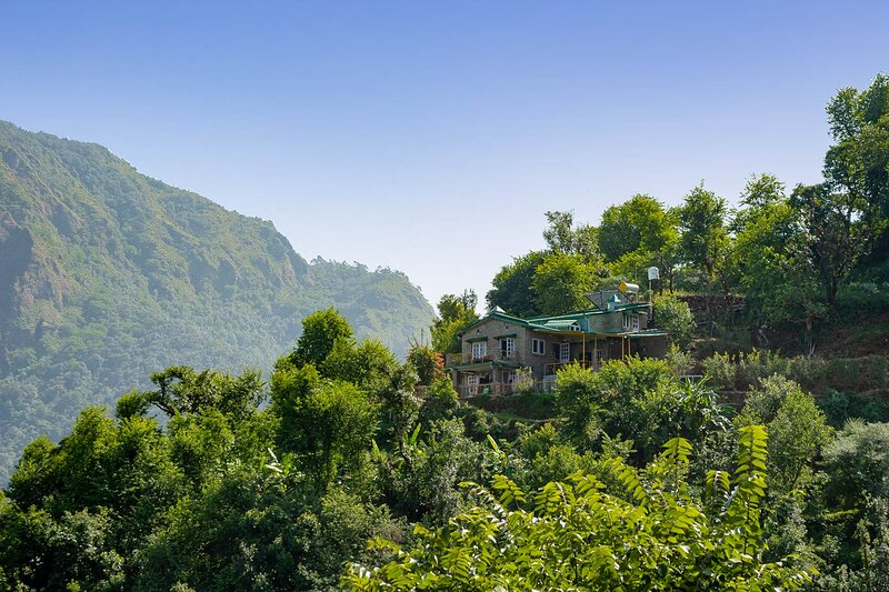 Fagunia Farmstay by Vista Rooms, holiday rental in Khurpatal