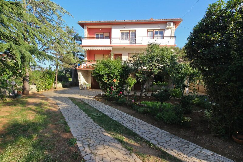 Four bedroom apartment Šilo, Krk (A-18758-a), holiday rental in Silo