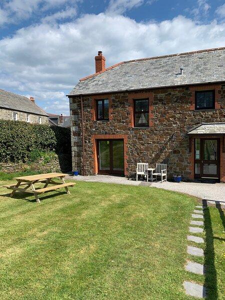 3 Bedroom Cottage in Cornwall, casa vacanza a Wadebridge