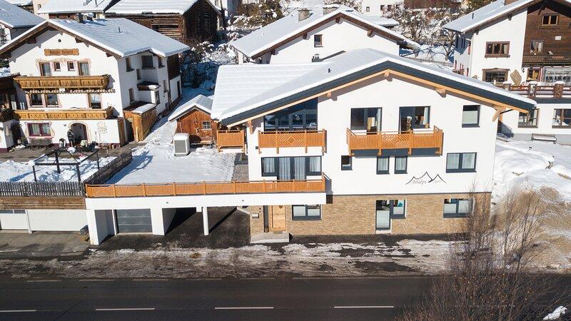 Arlalps Apart, Apartment, neu Lift, wunderbare Aussicht, im Herzen Pettneus, aluguéis de temporada em Pettneu am Arlberg