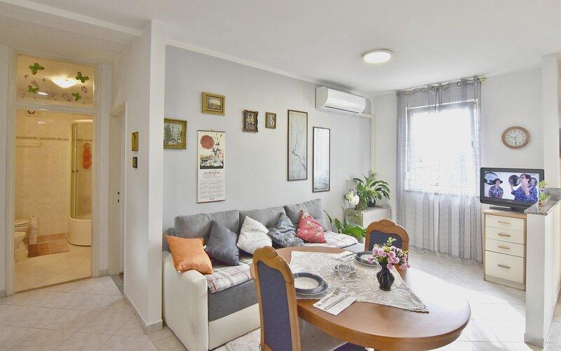 Appartamento Zdenka Umag, per coppie o famiglie, vicino al mare, zona TOP, location de vacances à Finida