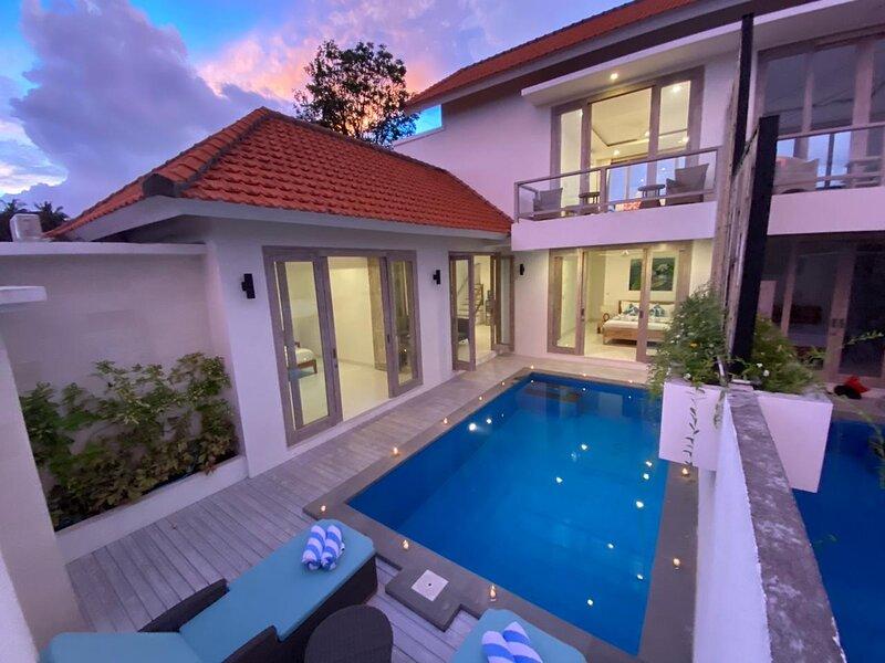 Green Villa A, brand new villa close to central Ubud., holiday rental in Peliatan