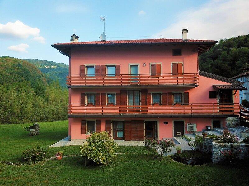 casa Pikes - lussuosa casa con grande giardino con accesso al fiume Natisone, location de vacances à Cividale del Friuli