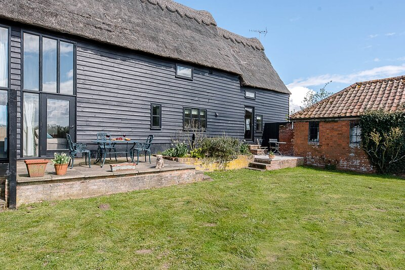 Granary Cottage, Valley Farm Barns Snape, (Air Manage Suffolk), holiday rental in Friston
