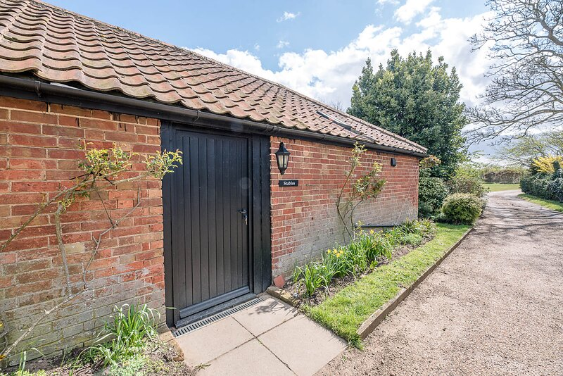 Stables, Valley Farm Barns Snape, (Air Manage Suffolk), holiday rental in Friston