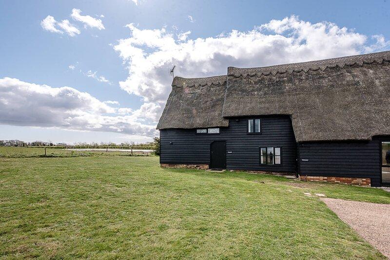Hayloft, Valley Farm Barns Snape, (Air Manage Suffolk), holiday rental in Friston