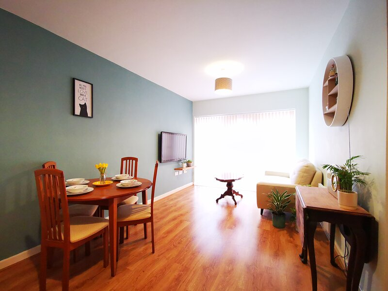 Manchester City Centre Retro 2 Bed Apartment in Ancoats, holiday rental in Failsworth
