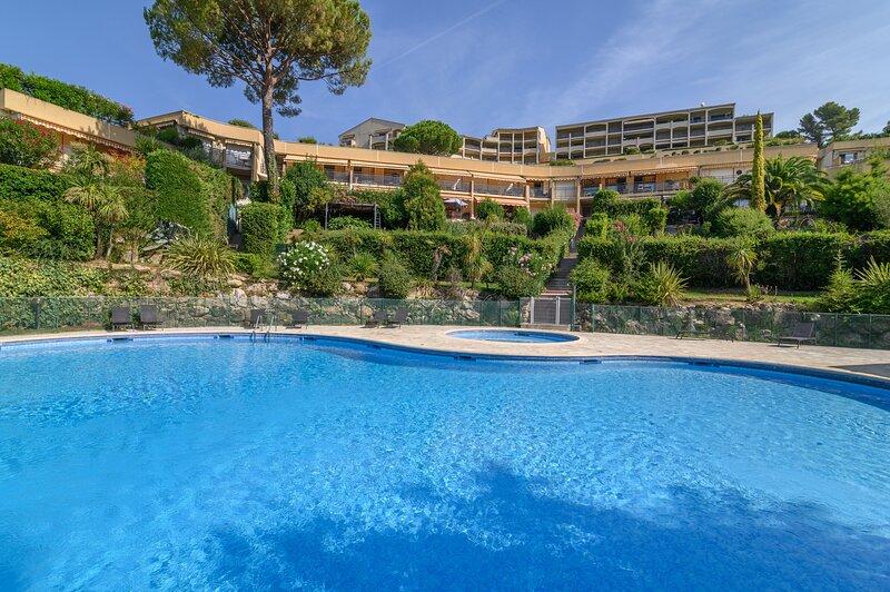 L'Artiste - Piscine partagée - 15 min de Cannes, vacation rental in La Roquette-sur-Siagne