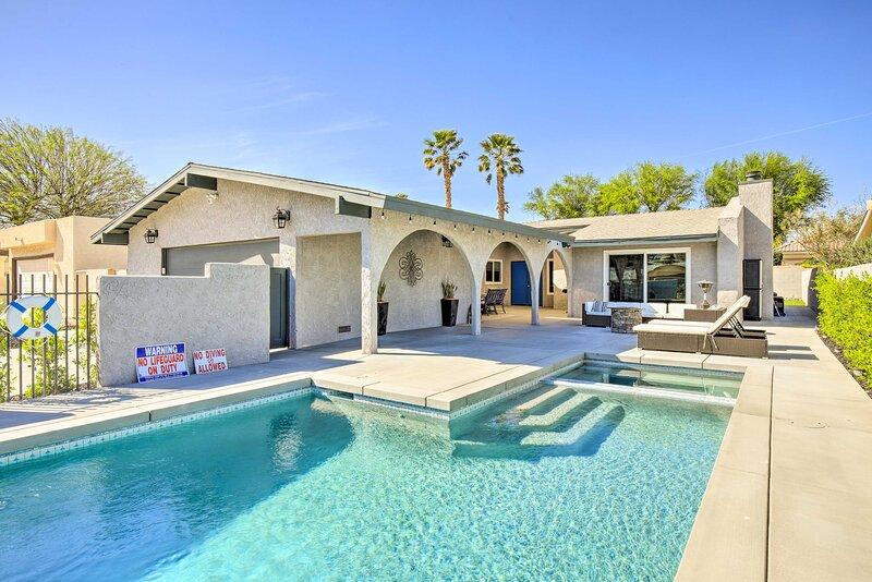 NEW! Palm Desert Retreat: Theater Room & Pool Deck, aluguéis de temporada em Indian Wells