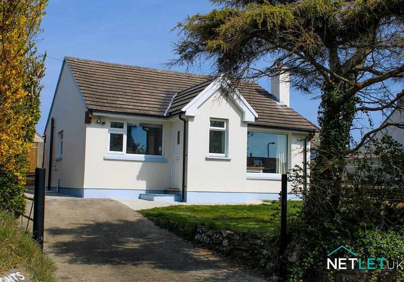 Chalfonts Cottage, vacation rental in Trefin