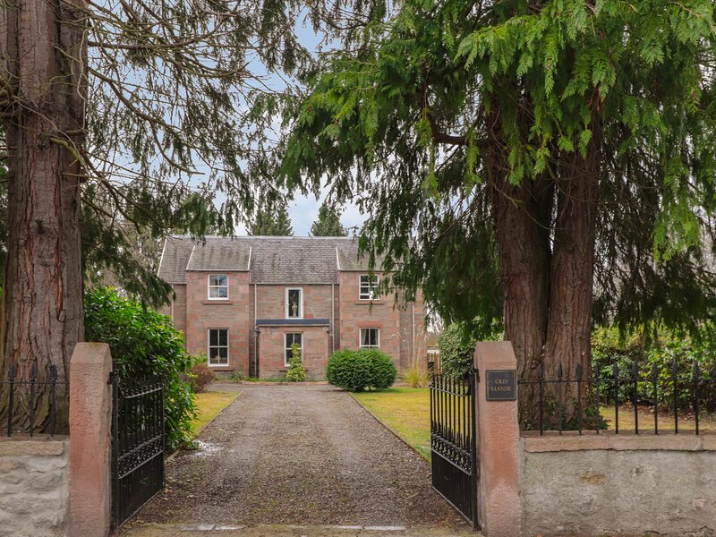 Old Manse, Muir Of Ord, holiday rental in Kirkhill