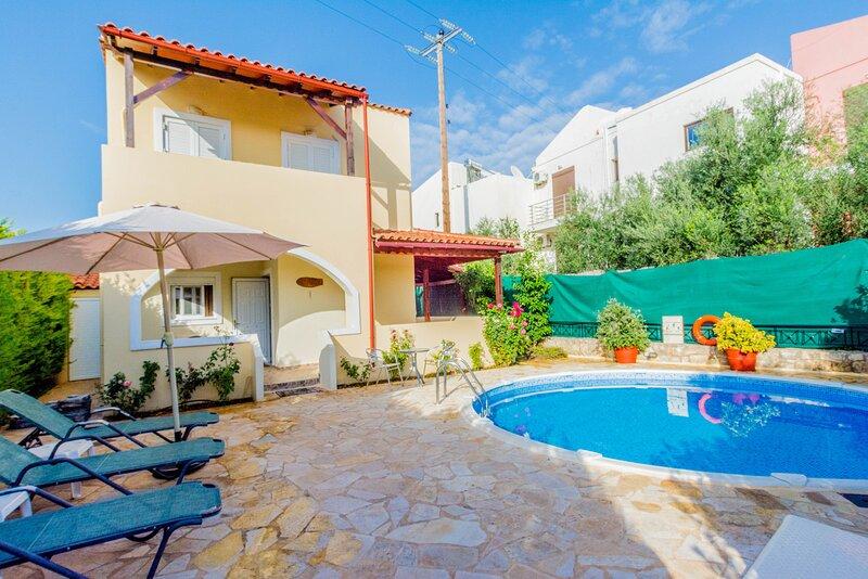 Villa Elaia - 300m to the beach, holiday rental in Aspro
