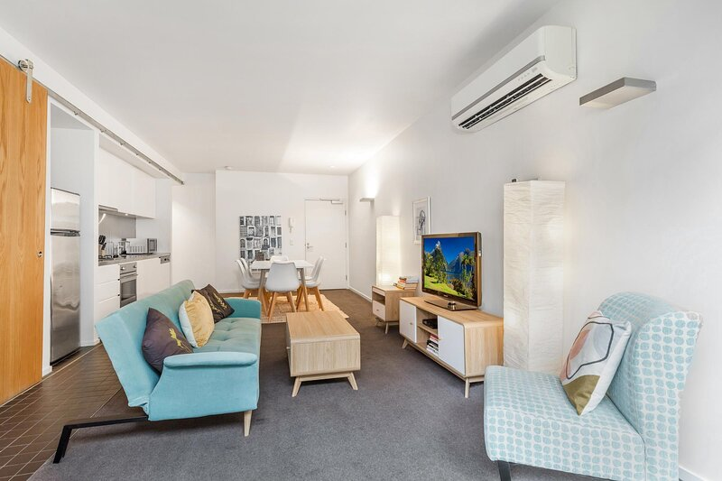 4-Person Apartment With Parking Min From CBD, casa vacanza a Abbotsford