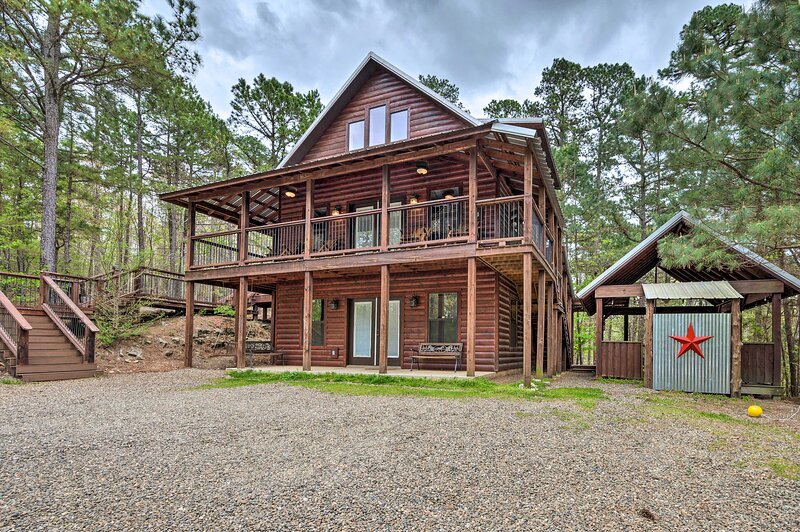 Southern Hills Cabin Near Beavers Bend State Park!, vacation rental in Hochatown