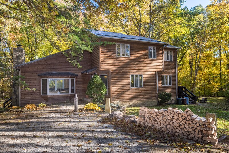 The Ridge Vacation Cabin, holiday rental in Unionville