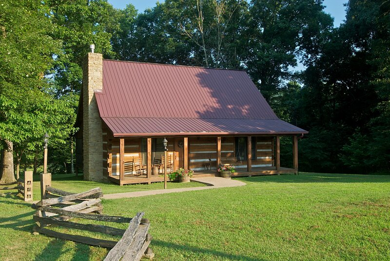 Schooner Creek Log Cabin, location de vacances à Nashville