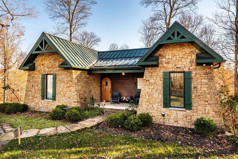 Bluebird's Nest Cabin, vacation rental in Columbus