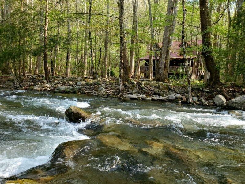 Elk Run On Cosby Creek - 2 Bedrooms, 2 Baths, Sleeps 6, holiday rental in Hartford