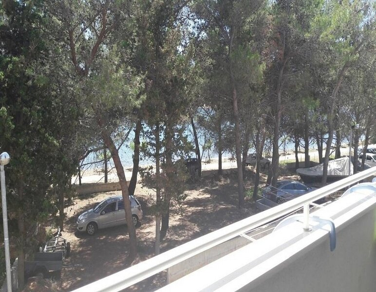 Marin - 30 m from sea :  A1(4) - Verunic, vacation rental in Verunic