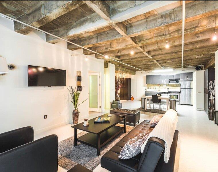 Artsy DTLA Apartment, holiday rental in Los Angeles