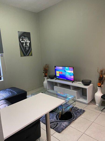 Entire apartment fast internet Rosebank, holiday rental in Dunkeld West