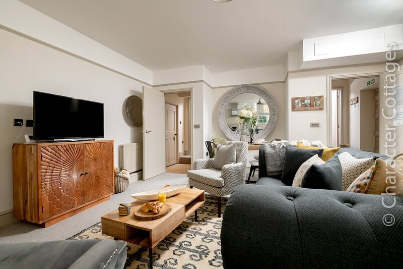 No.3 The Old Coach House is a stylish ground floor apartment in Blockley., holiday rental in Blockley